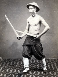 "Chinese Soldier with ""Double Knives"" (Seung Dou)"